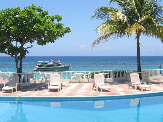 Silver Seas Resort Hotel: The gorgeous pool