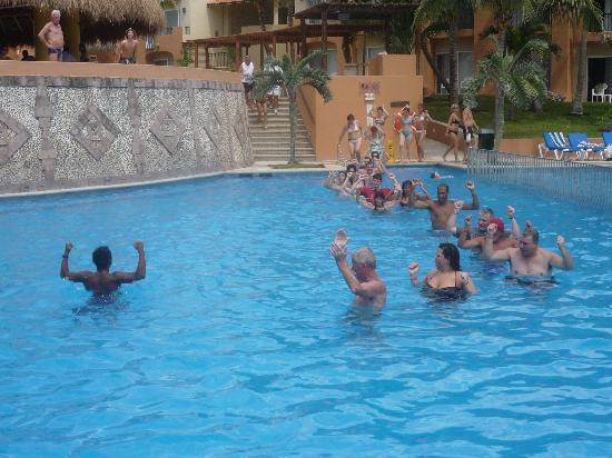 Viva Wyndham Azteca - An All-Inclusive Resort: water aerobic