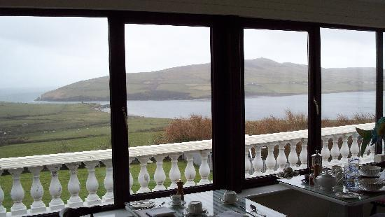 Pax Guest House: The breakfast room and its view