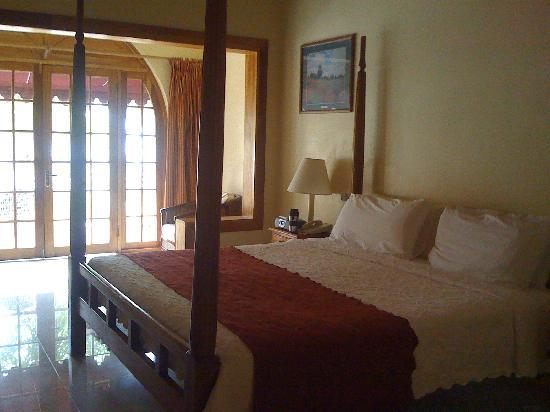 Charela Inn / Le Vendome: Seafront Deluxe Room with King