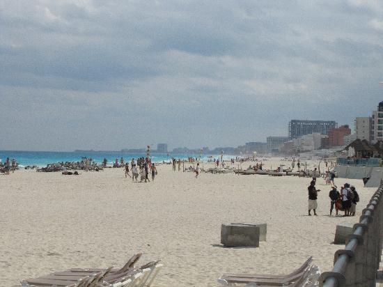 Beach Palace: Beach looking south