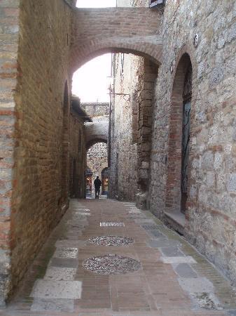 Sangallo Park Hotel: The streets of San Gimignano