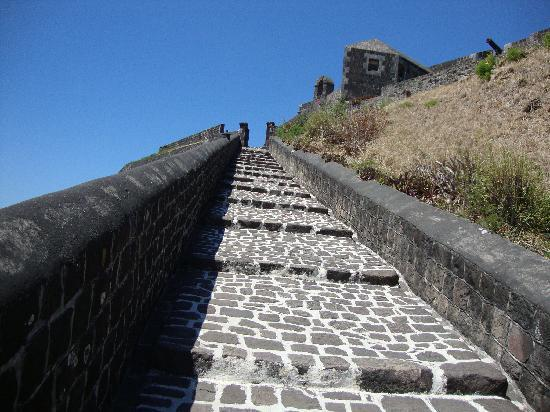 Brimstone Hill Festning: Steps up to the fortress