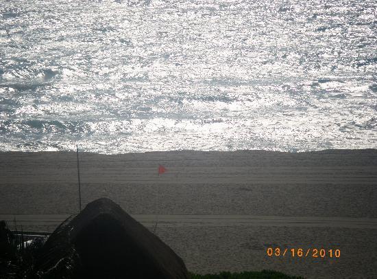Crown Paradise Club Cancun: beautiful beach front