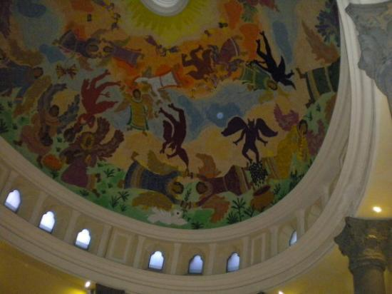 Monterrey, Mexico: Hand painted ceiling