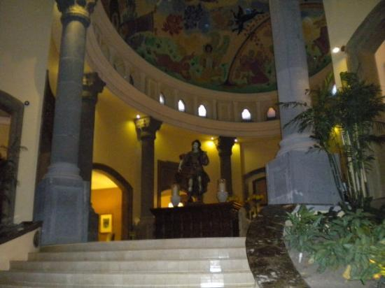 Monterrey, Mexico: stairs to the hotel lobby
