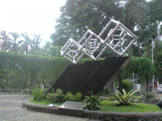 Bandung, Indonesia: tugu/ornamen/whatever
