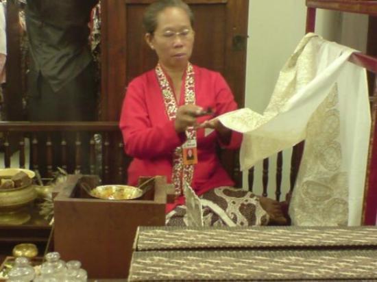 Hamzah Batik: batiking
