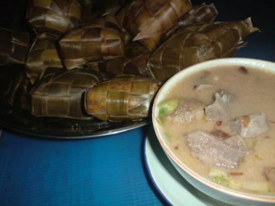 Makassar, Indonesia: Coto+ketupat