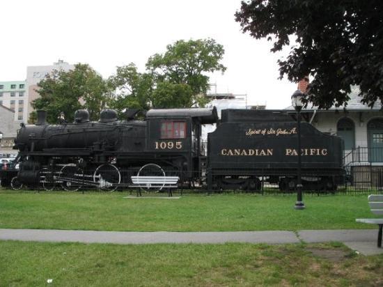 Kingston, Canada: Train