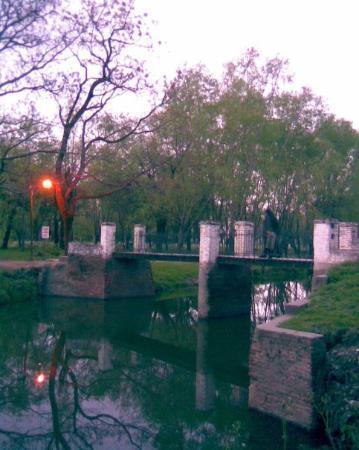 San Antonio de Areco.  El puente del parque.