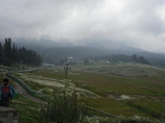 Gulmarg Alpine Guides: Gulmarg holiday resort, Kashmir