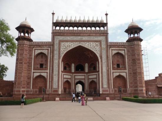 Taj Mahal: Agra