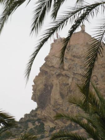 Alicante, Spania: The rock with a face!