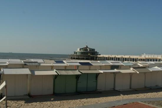 Liège, Belgia: The belgian seashore in Blakenbeeke. The cabanas are rented by the month.