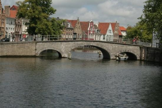 Liège, Belgia: The last bridge in Brugge on the way to the sea.