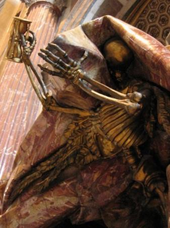 Vatikanske museer: Death: Your time's run out (nice and creepy, right?)