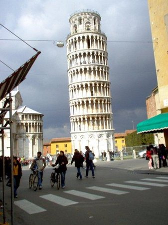 Leaning tower Pisa: pisa. italy