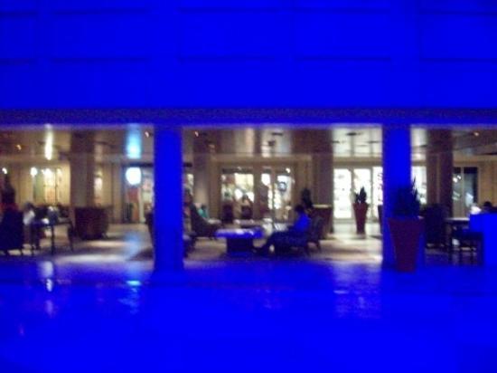 Caribe Hilton San Juan: Caribe Hilton lobby