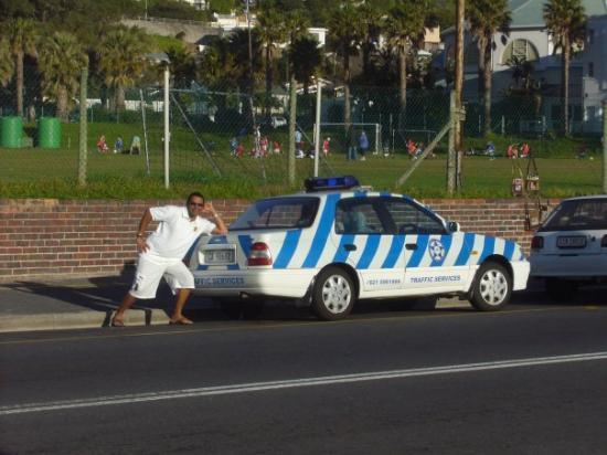Кейптаун, Южная Африка: J'ai postul..pour la force policiere de Cape Town