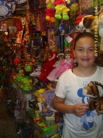 Ciudad Nezahualcoyotl, Mexico: Toys!
