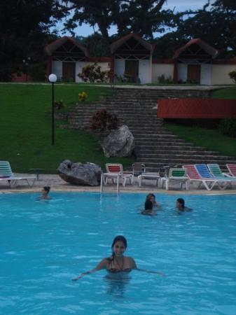 Soroa, Cuba: La piscina del hotel