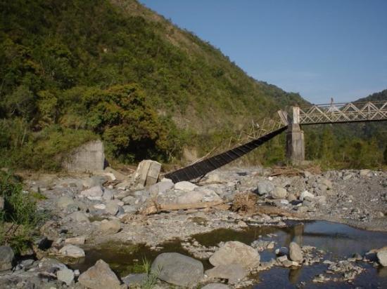 Kingston, Jamaica: bridge after hurican