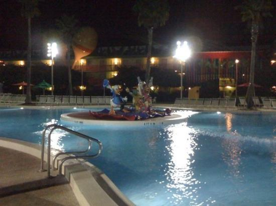 Disney's All-Star Music Resort: Early morning at the pool