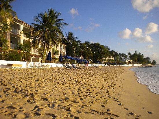 Fairmont Royal Pavilion: Hotel and beach