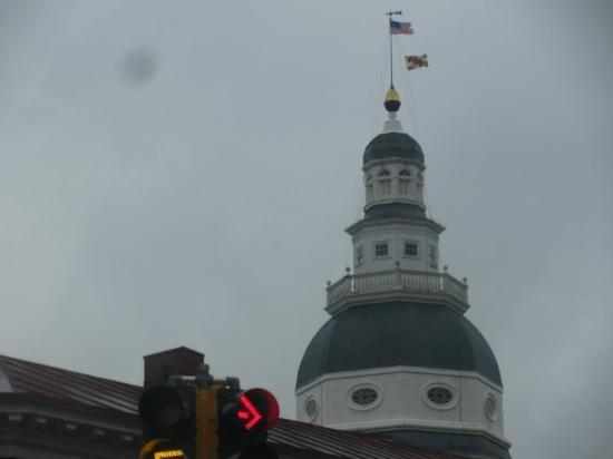 Annapolis, MD: Maryland's Capitol Building (faraway)