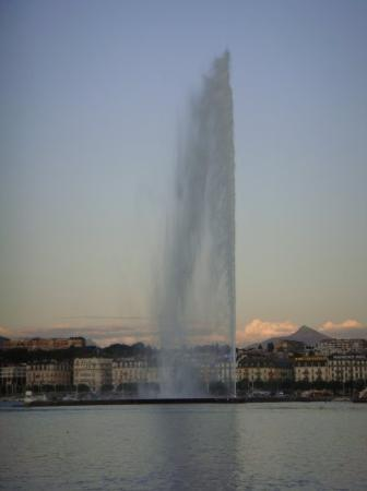 Jet d'eau (water fountain)