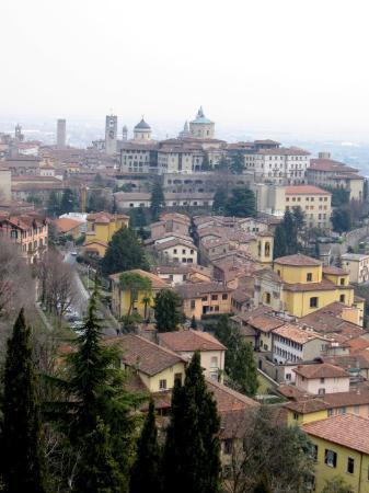 Bergamo, Italia: Blick auf die Altstadt