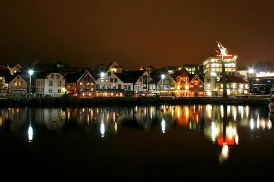 Stavanger by night 3