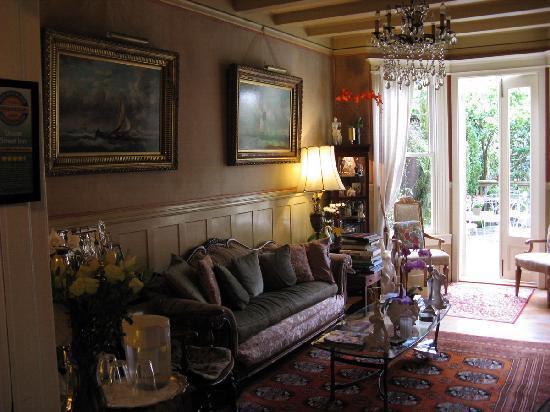 Union Street Inn: Living room