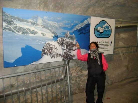 Interlaken, Sveits: DIRECCION JUNGFRAU