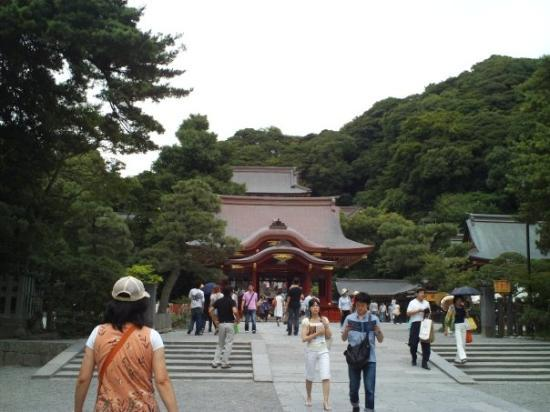 Kamakura, Japan: ohh another shrine this time I am thinking it's a temple.