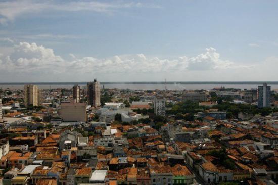 Belem, PA: Vista do quarto do 14º andar do Hotel Grão-Pará, onde nos hospedamos.