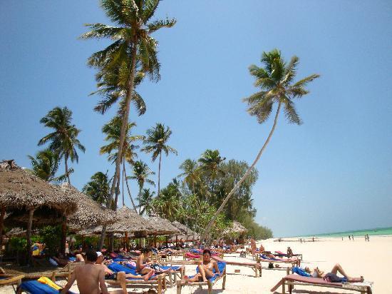 VOI Kiwengwa Resort: lettini da spiaggia