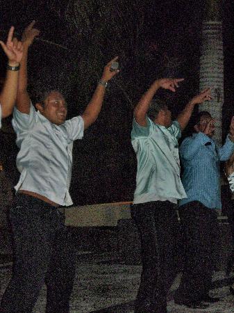 Grand Bahia Principe Coba: animation team and salsa lessons