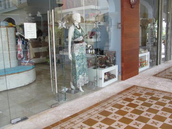 Iberostar Grand Bavaro: Great shopping right at the resort!