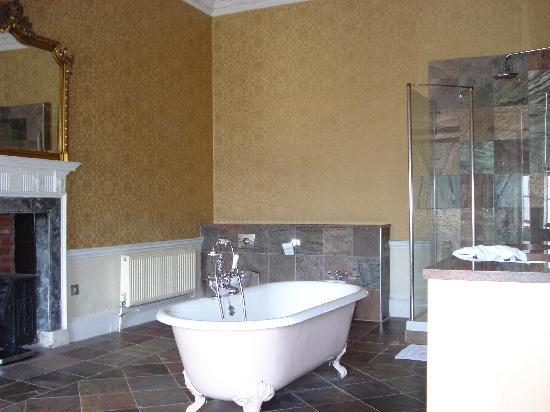 Colwick Hall Hotel: Bathroom - Lord Byron Suite