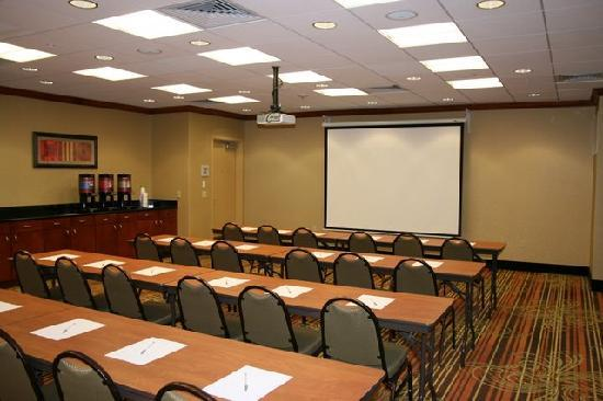 Hampton Inn and Suites Arcata, CA: Meeting Room
