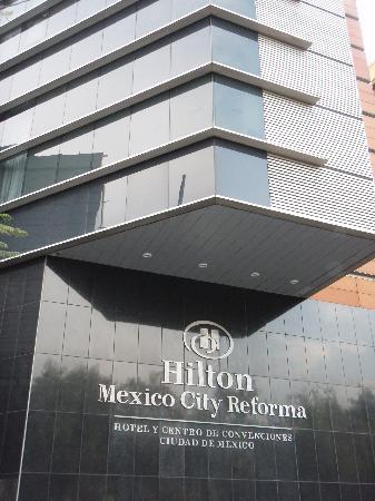 Hilton Mexico City Reforma: Front of Hotel