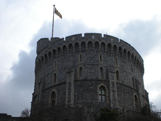Windsor Castle exterior with Queen's in-residence flag
