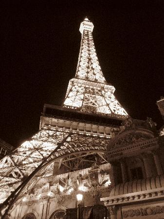Paris Las Vegas: Outside Paris Hotel