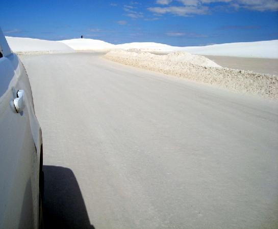 "White Sands National Monument: driving to trail's ""parking lot"""