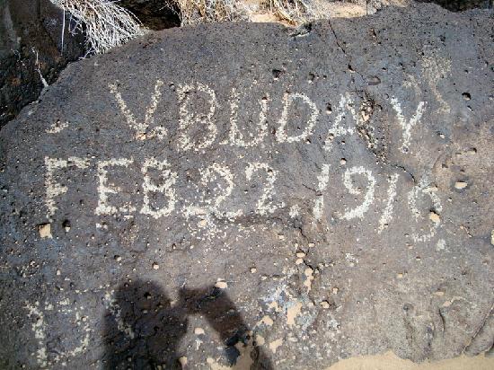 Petroglyph National Monument: vandalism