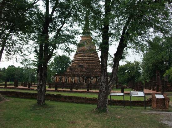 Wat Chang Lom: ワット・チャーン・ローム遺跡1