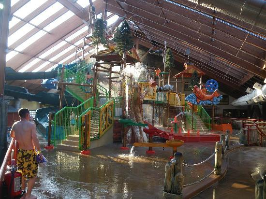 Six Flags Great Escape Lodge & Indoor Waterpark: upper deck play area