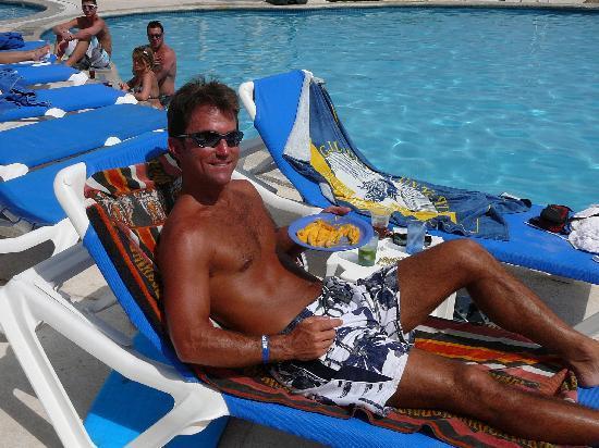 Golden Parnassus All Inclusive Resort & Spa Cancun: Chillin!